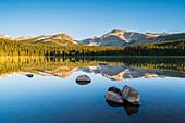 Spiegelung im Brainard Lake, Colorado, USA