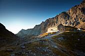 Lamsenjochhütte , Lamsenjochhütte, Lamsenjoch morgens im Herbst