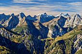 Karwendel with Sonnenspitze, Gamsjoch, Kaltwasserkarspitze, Birkkarspitze and Oedkarspitzen, from Seebergspitze, Karwendel range, Tyrol, Austria