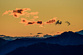 Wolkenstimmung über Chiemgauer Alpen, Hochplatte, Chiemgauer Alpen, Oberbayern, Bayern, Deutschland