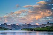 See Lac du Serpent mit Ecrins, Lac du Serpent, Dauphine, Dauphiné, Hautes Alpes, Frankreich
