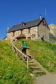 Refugio de biadós, Valle de Añes Cruces, parque natural Posets-Maladeta, Huesca, cordillera de los Pirineos, Spain.