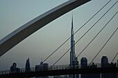 Tolerance Bridge, Burj Khalifa, Dubai, VAE, Vereinigte Arabische Emirate