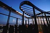At the Top Sky, Burj Khalifa, Aussichtsterrasse, Besucher, 148. Etage, 555 Meter, Dubai, VAE, Vereinigte Arabische Emirate