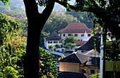 Blick vom Wace-Park über Kandy im Bergland, Sri Lanka