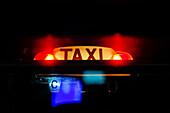 Taxi, Paris, Frankreich, Europa