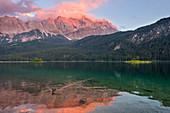 Lake Eib in the evening sun, Zugspitze region, Garmisch-Partenkirchen, Bavaria, Germany, Europe