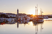 Sunrise above the harbour and the old town of Krk on the island Krk, kvarner bay, Mediterranean Sea, Primorje-Gorski kotar, North Croatia, Croatia, Southern Europe, Europe