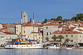Hafen und die Altstadt von Rab, Insel Rab, Primorje-Gorski kotar, Kvarner Bucht, Kroatien, Südeuropa, Europa