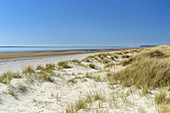 Beach in front of Goting Kliff near Nieblum, North Frisian Island Föhr, North Sea, Schleswig-Holstein, Northern Germany, Germany, Europe