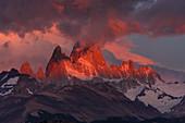 Fitz Roy at dawn, Los Glaciares National Park, Patagonia, Argentina