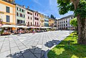Der Motta-Platz von Orta San Giulio (Orta San Giulio, Ortasee, Provinz Novara, Piemont, Italien, Europa)