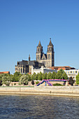 View across the Elbe to the Magdeburg Cathedral and the Fürstenwall, Magdeburg, Saxony-Anhalt, Central Germany, Germany, Europe