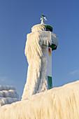 Lighthouse Molenfeuer Sassnitz on the Ostmole, Sassnitz, Jasmund peninsula, Rügen, Mecklenburg-Vorpommern, Northern Germany