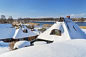 Blick über das Fischerdorf Gothmund im Winter, Ostseeküste, Schleswig-Holstein, Norddeutschland