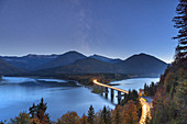 Bridge over the Sylvenstein reservoir at night, Fall, Lenggries, Tölzer Land, Upper Bavaria, Bavaria, Germany