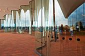 Eingangsbereich der Elbphilharmonie, Landungsbrücken, Hafenstadt, Hamburg, Deutschland