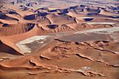 Dünen in der Wüste Namib, Sossusvlei Gebiet, Namib Naukluft Park, Namibia