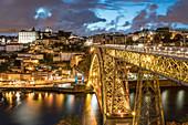 Dom Luis I und Brücke über den Fluß Douro, Porto, Portugal