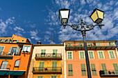 Französische Reviera, Villefranche sur Mer, farbige Fassaden am Hafen, Cote d Azur, Frankreich