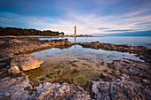 Die Küste mit dem Leuchtturm von Dugi Otok, Kroatien