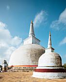Ruwanweli Saya Dagoba (goldener Sand Stupa), Anuradhapura, UNESCO-Welterbestätte, Nordmittelprovinz, Sri Lanka, Asien