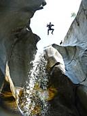 Canyoning-Abenteuerreise, Cresciano, Kanton Tessin, Schweiz