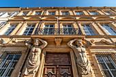 Atlases at the Courthouse of Aix en Provence, Tribunal de Commerce, Hôtel Maurel de Pontevès, hôtel particulier,