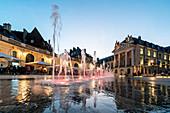 Water fountains on the Place de la Liberation in Dijon, Le Palais des Ducs de Bourgogne, Ducal Palace, Cote d Or, Burgundy, France