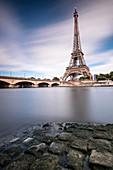 Eiffelturm und Pont d'Iéna, Ufer der Seine, Paris, Île-de-france, Frankreich