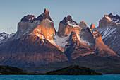 Berge, Paine-Massiv, Torres Del Paine, Nationalpark Torres Del Paine, Patagonia, Chile