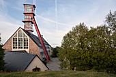 Förderturm am Arno-Lippmann Schacht, UNESCO Welterbe Montanregion Erzgebirge, Altenberg-Zinnwald, Sachsen