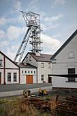 Förderturm am Silberbergwerk Reiche Zeche, Bergakademie Freiberg, UNESCO Welterbe Montanregion Erzgebirge, Freiberg, Sachsen