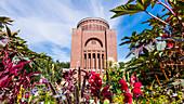 Das Planetarium wurde 1930 im Hamburger Stadtpark in einen ehemaligen Wasserturm gebaut, Winterhude, Hamburg, Deutschland