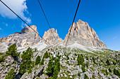 Die berühmte Stehgondel zur Langkofelscharte, St. Christina in Gröden, Dolomiten, Südtirol, Alto Adige, Italien