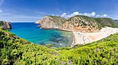 Panoramablick des Strandes von Cala Domestica von oben, Provinz Iglesias, Sud Sardegna, Sardinien, Italien, Mittelmeer, Europa