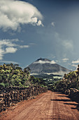 Weg zum Vulkan Pico auf der Insel Pico, Azoren, Portugal, Europa