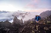 Trekking auf der zu Frankreich gehörenden Tropeninsel La Réunion im Indischen Ozean