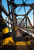 Eisenbahnbrücke über den Oglio, Drizzona, Provinz Cremona, Italien, Europa