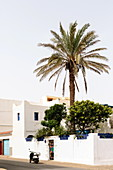 Straßenszene in Sidi Ifni, Marokko