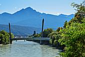 Brücke der Hungerburgbahn über den Inn, Architektin Zaha Hadid, Hungerburg, Innsbruck, Tirol, Österreich