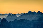 Abendstimmung über Geislergruppe, Dolomiten, UNESCO Welterbe Dolomiten, Venetien, Italien