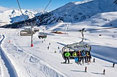 France, Savoie, Vanoise massif, valley of Haute Tarentaise, Les Arcs, part of the Paradiski area with over 425 km of ski slopes, the chairlift Arcabulle
