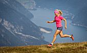 Trailrunner über dem Achensee, Stanser Joch, Achensee, Tirol, Österreich