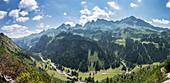 Berg Panorama der deutschen Alpen im Oberallgäu.\nDeutschland, Bayern, Oberallgäu