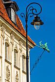 Krakowskie Przedmiescie street, corner of Castle square, architecture detail and gargoyle in the form of basilisk, old town, Warsaw, Mazovia region, Poland, Europe\n\nWarszawa, Mazowieckie\nStare miasto, bazyliszek, plac zamkowy\n