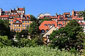 Blick auf die Altstadtt vom Ufer der Weichsel, Warschau, Polen, Europa