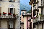 Mittelalterliche Häuser in Chiavenna, Val San Giacomo, Lombardei, Italien