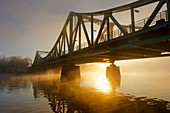 Sonnenaufgang, Glienicker Brücke, Havel, Potsdam, Land Brandenburg, Deutschland