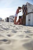 Strandkörbe am Haupstrand, Nordseite, Insel Spiekeroog, Wattenmeer, Ostfriesland, Niedersachsen, Deutschland